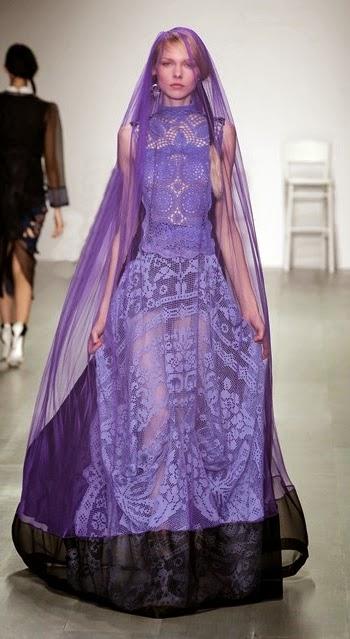 Szydelkowa suknia Bora Aksu