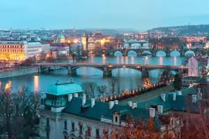 Ada Paket Murah Wisata Korupsi di Praha