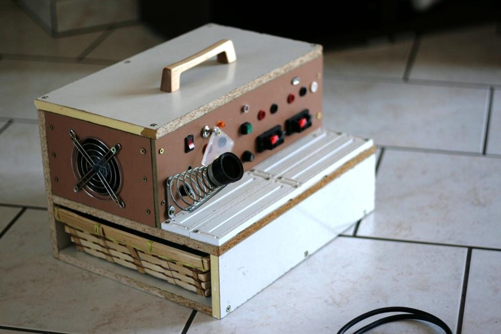 Circuito Walkie Talkie Casero : Este laboratorio móvil de electrónica es justo lo que