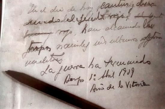 Borrador del último parte de guerra, escrito por Franco