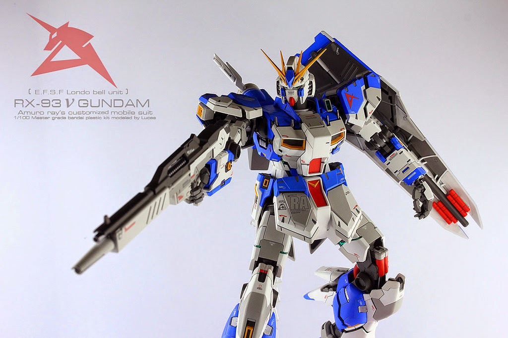 MG RX-93 NU Gundam modeled by Ivan Luke Fernandezphoto