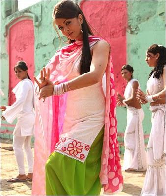 Aishwarya Rai in salwar kameez in movie