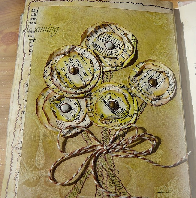 kwiatki ręcznie robione w art journalu