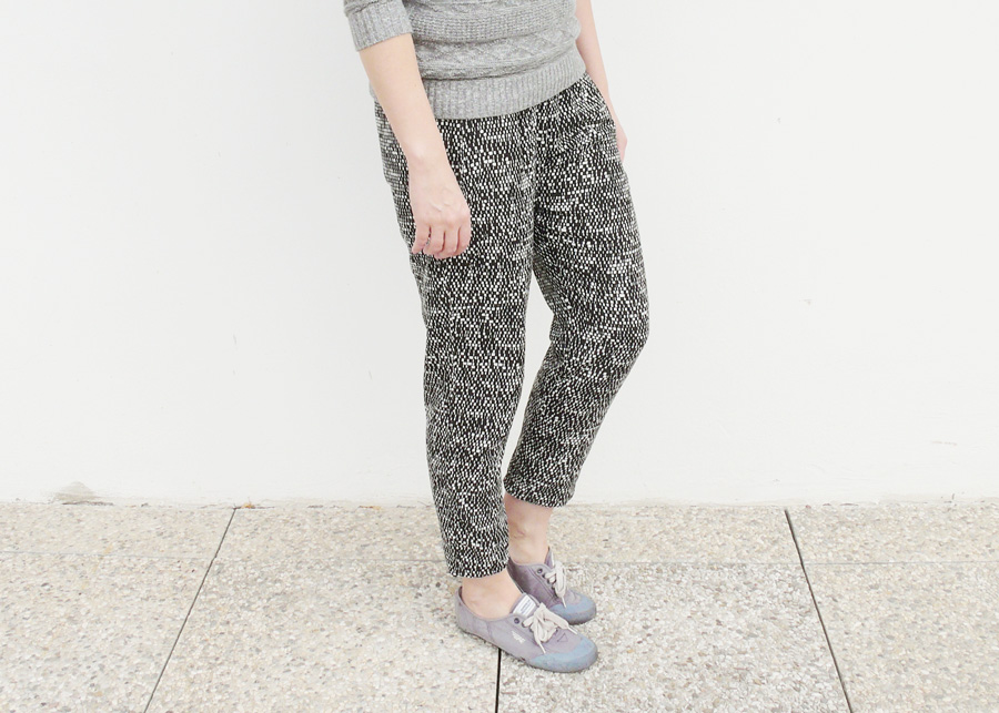 Handmade Wardrobe: a pair of True Bias Hudson pants in a woven fabric (of joy)