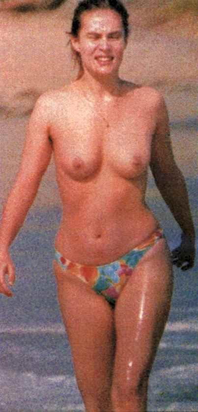 Эммануэль сенье фото голая