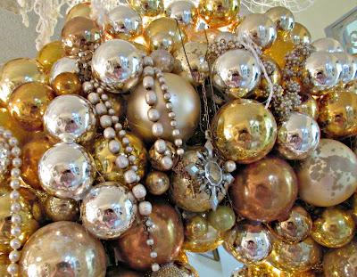 Gold Ball Wreath Centerpiece Wednesday