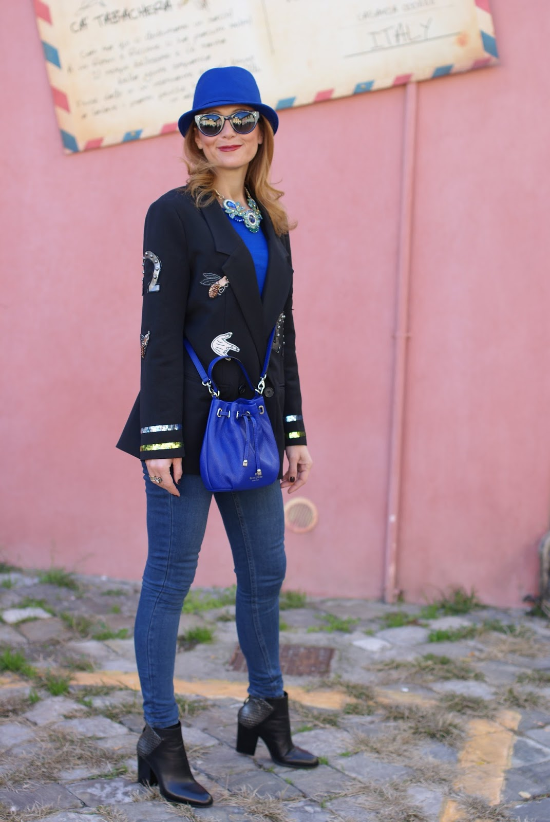 Vogos appliqued blazer with luck charms and Lorenzo Mari shoes on Fashion and Cookies fashion blog, fashion blogger style