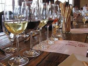 Montaluce Winery and Estates, wine glass, tasting menu, wine