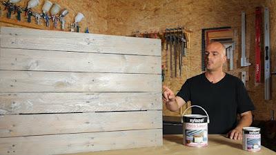Mesa de palet decorada con lasur decorativo. www.enredandonogaraxe.com