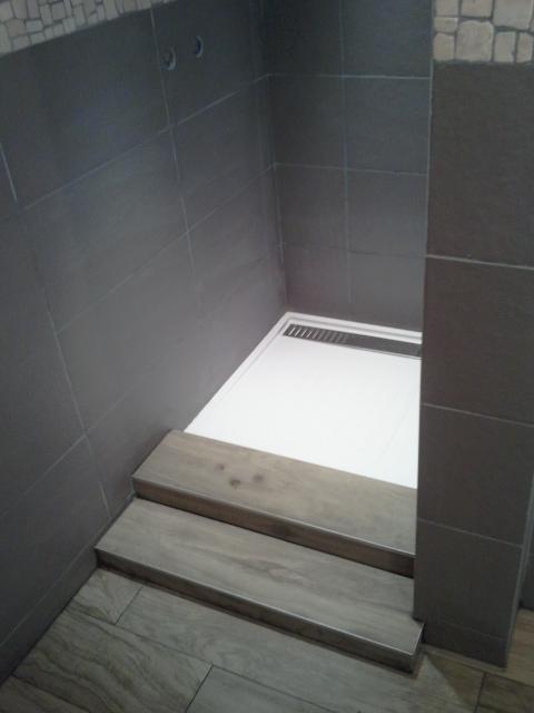 Bricolage de l 39 id e la r alisation salle de bain zen et nature - Baignoire ou douche pour vendre ...