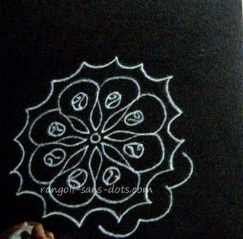 sp-rangoli-step-2.jpg