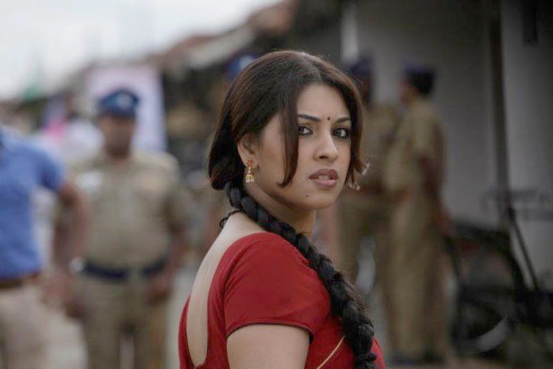 Richa Gangopadhyay Hot Stills In Osthi Movie Photoshoot images