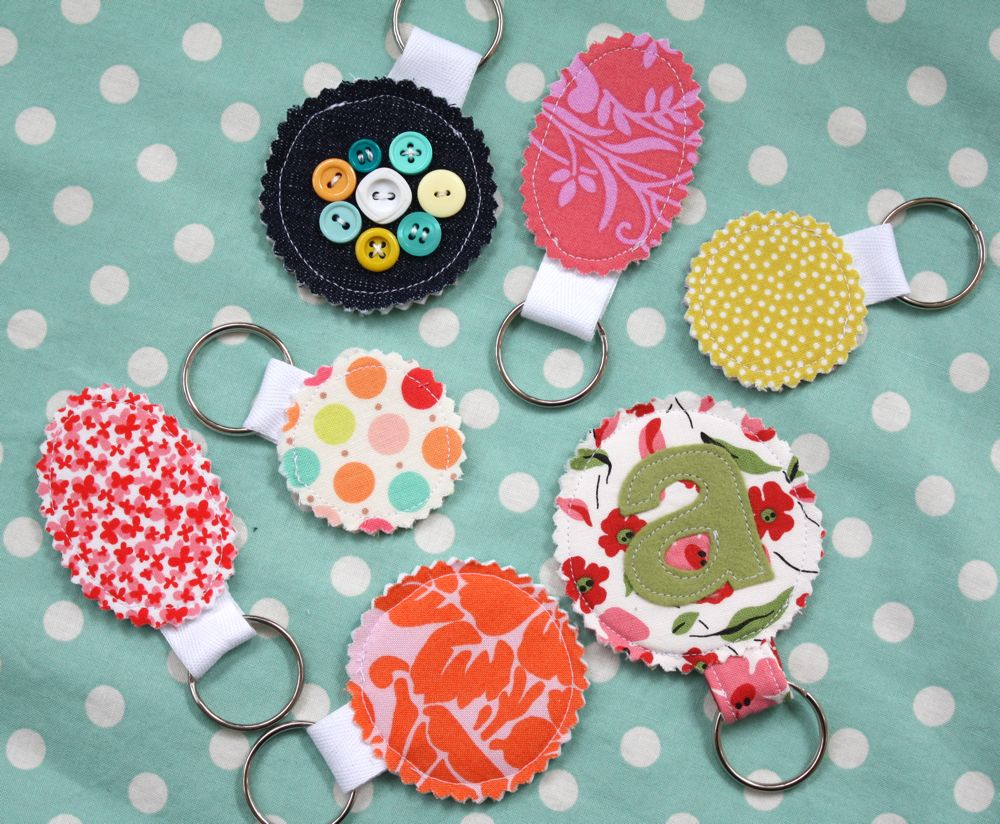 These Little Key Chains Are Perfect For Showcasing Your Favorite Scrap Of  Fabric, Or Embellishing With Button Flowers, Felt Monograms, Or Whatever  You Can ...