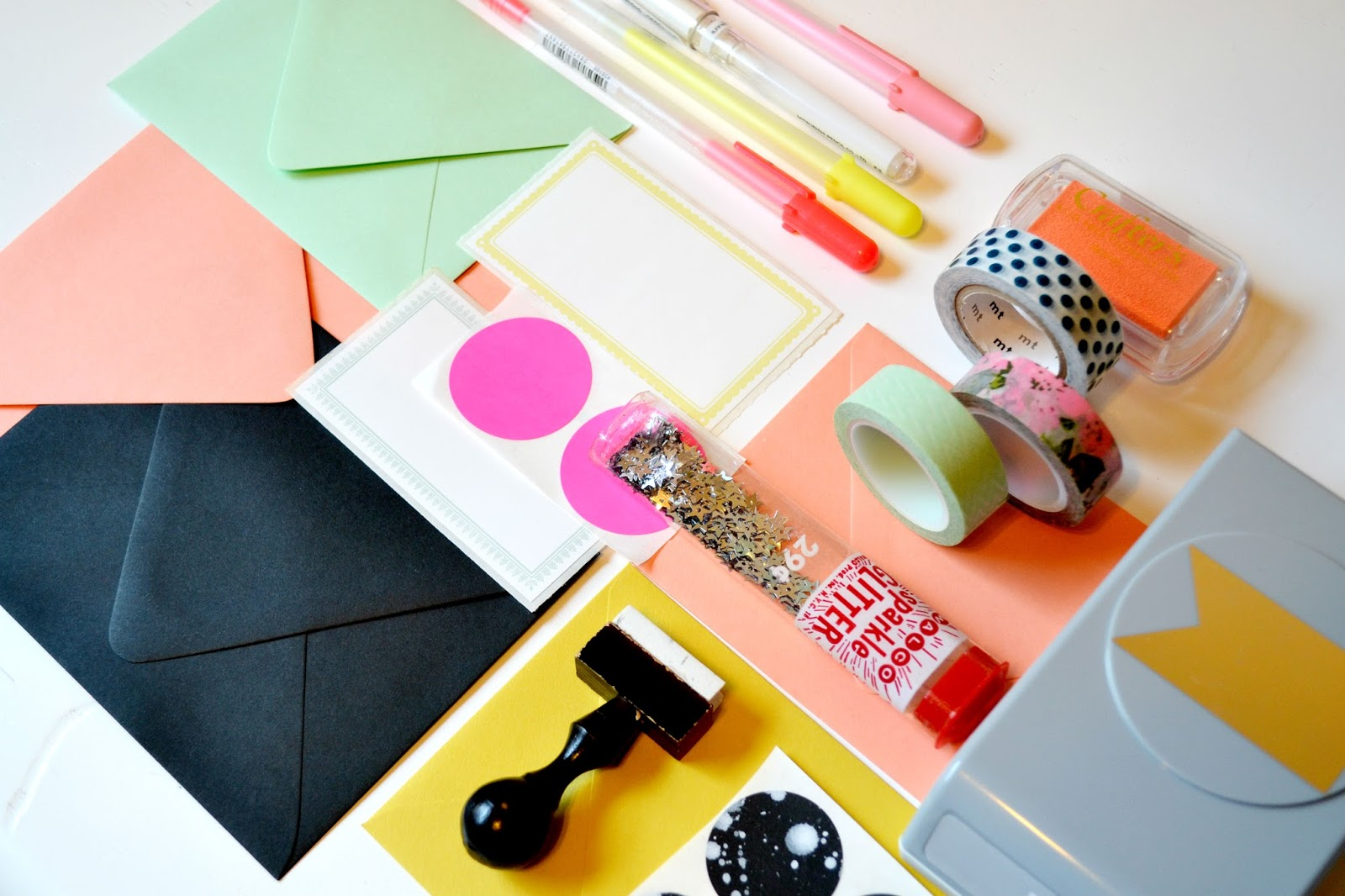 coral, yellow, paper source, hand lettering, fun fonts, gel pen, polka dot, glitter, washi tape