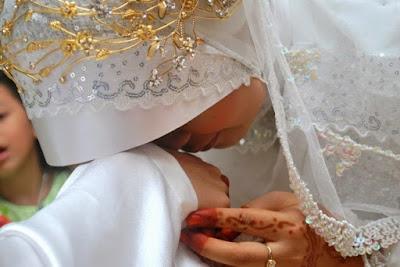 Tips Menjadi Istri Idaman Bagi Suami Anda