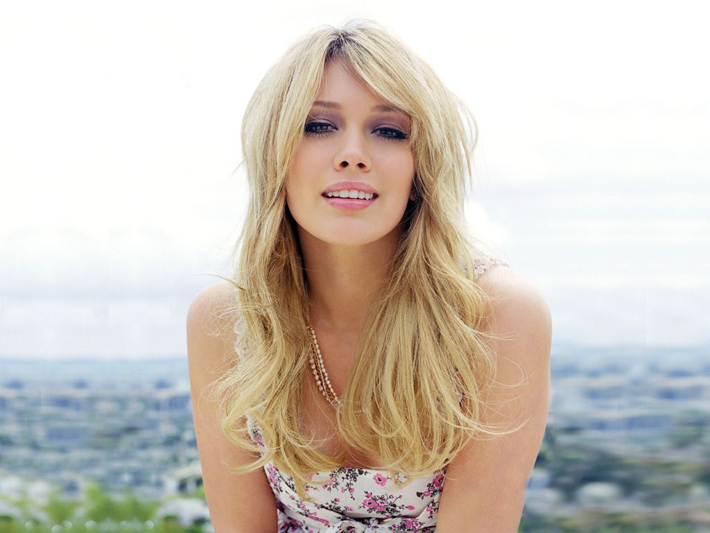 Hilary Duff Image Gallery