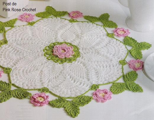 http://1.bp.blogspot.com/-6ai0vjkqTbw/T0UVavTm7NI/AAAAAAAAXE4/jYdeSPjfh2E/s1600/Centrinho+Abacaxis+Flor+e+Folhas+em+Croche-+PRoseCrochet.JPG
