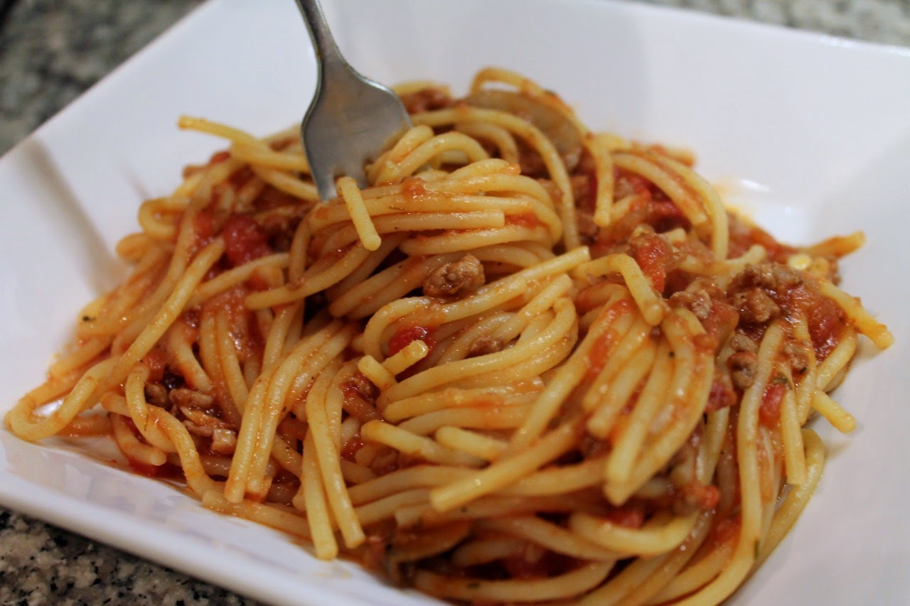 Spaghetti with Tomato-Turkey Ragu