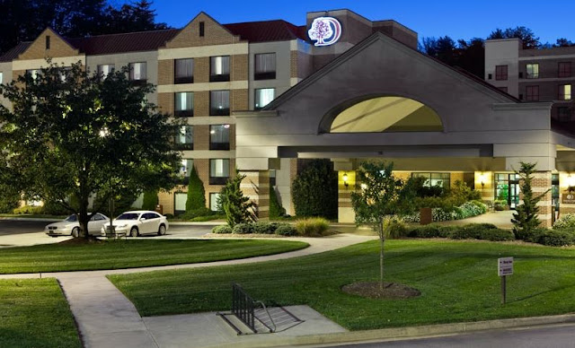 Hotel Hot List: Doubletree by Hilton Asheville-Biltmore Completes Renovations.