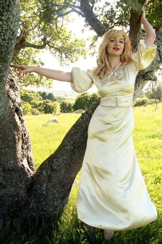 Vintage 1920s Wedding Dress: Affordable Wedding Dresses - 1920s