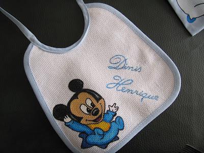 Babete com Mickey baby pintado
