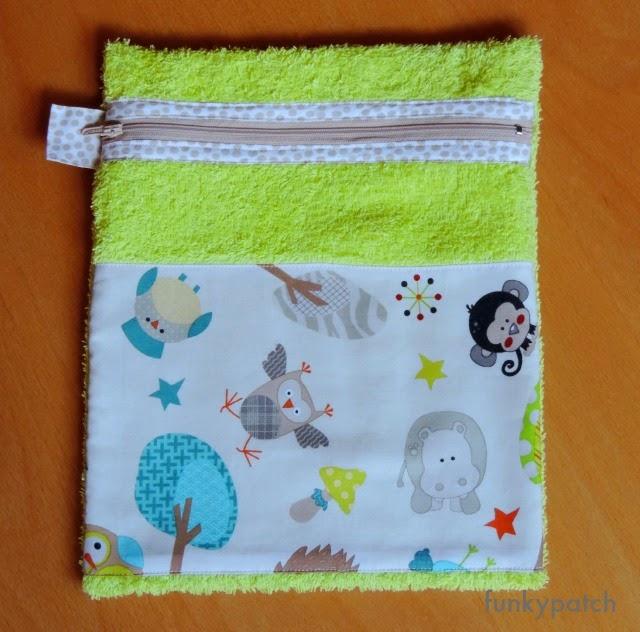 neceser para pañales hecho con tela de toalla por Funkypatch
