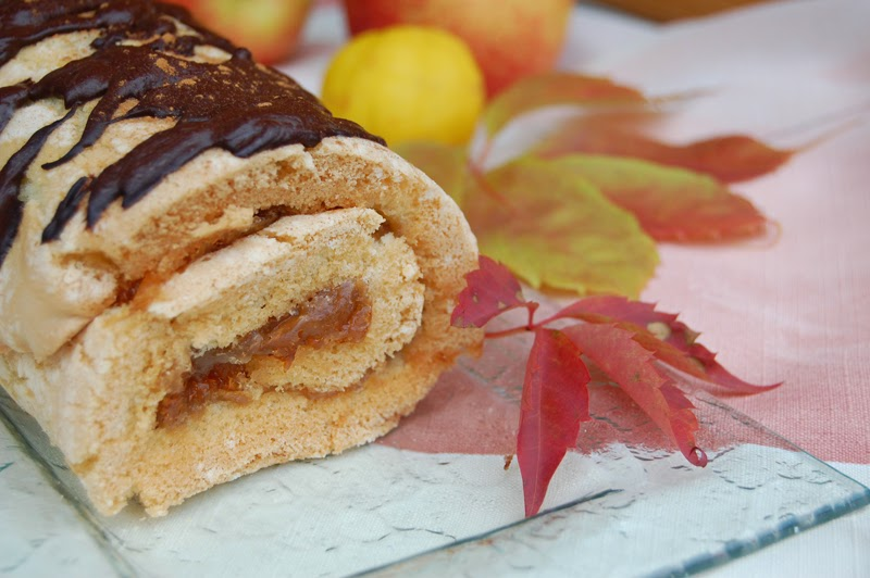 rolada z jabłkami - przepis - Smaki Prowincji