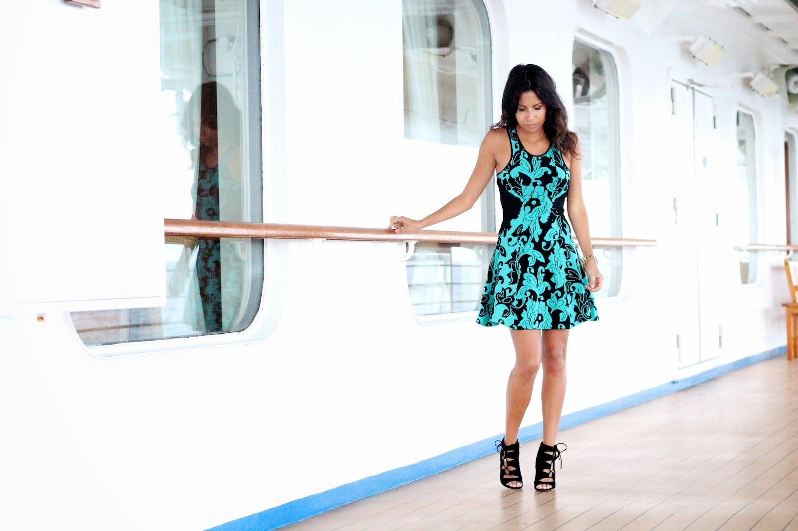 parker dress, bb dakota capelet, date night look, vacation, what is fashion, how to wear