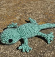http://www.ravelry.com/patterns/library/little-lizard