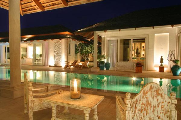 Baños Estilo Tailandes:Diseño de Interiores & Arquitectura: Impresionante Villa Frente al