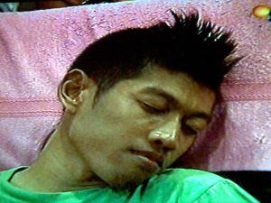 Foto NEYMAR Pemain Bola Berbakat Tertangkap Kamera Sedang Tidur
