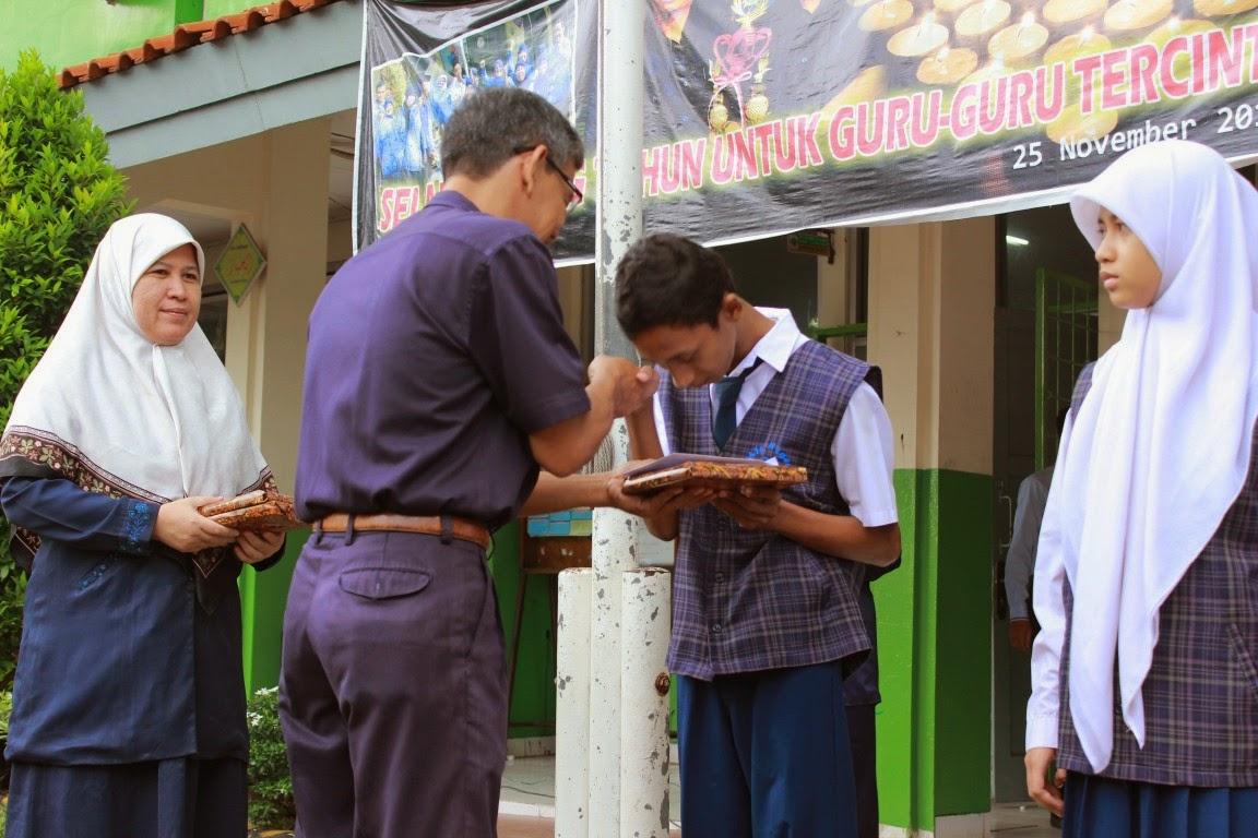 penghargaan kepada siswa mtsn 33 jakarta