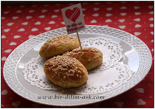 Kremalı Dere otlu Peynirli Poğaça-bir dilim aşk
