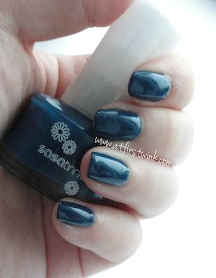 Sasatinnie nail polish P713 dark blue