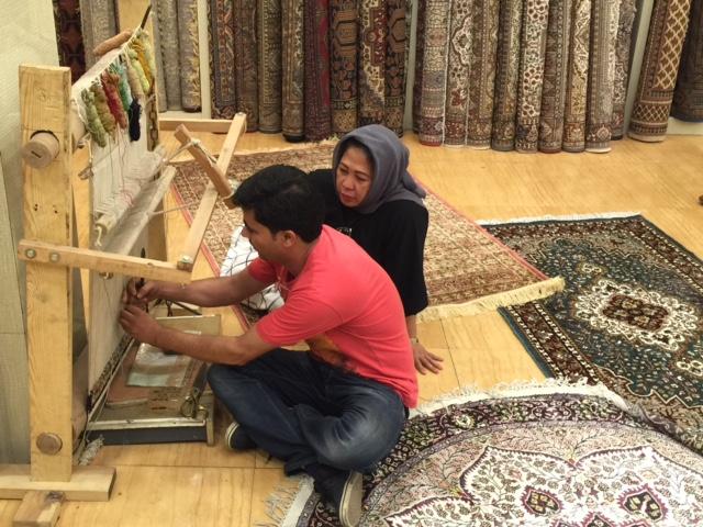 Catatan Ardi's Family: Delhi Haat, Sentra Home Industri