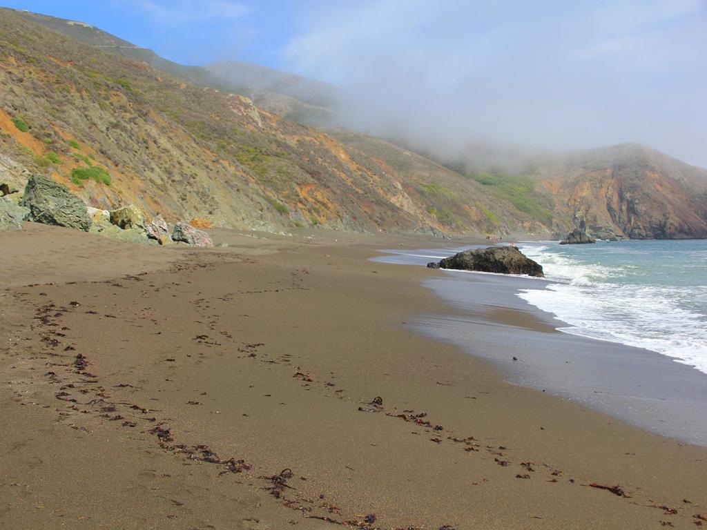 100 black sands beach black sands beach hike memory lane