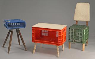 El arte de reciclar cajas de pl stico recicladas como muebles for Muebles con cosas recicladas