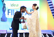 Filmfare South Awards 2013-thumbnail-14