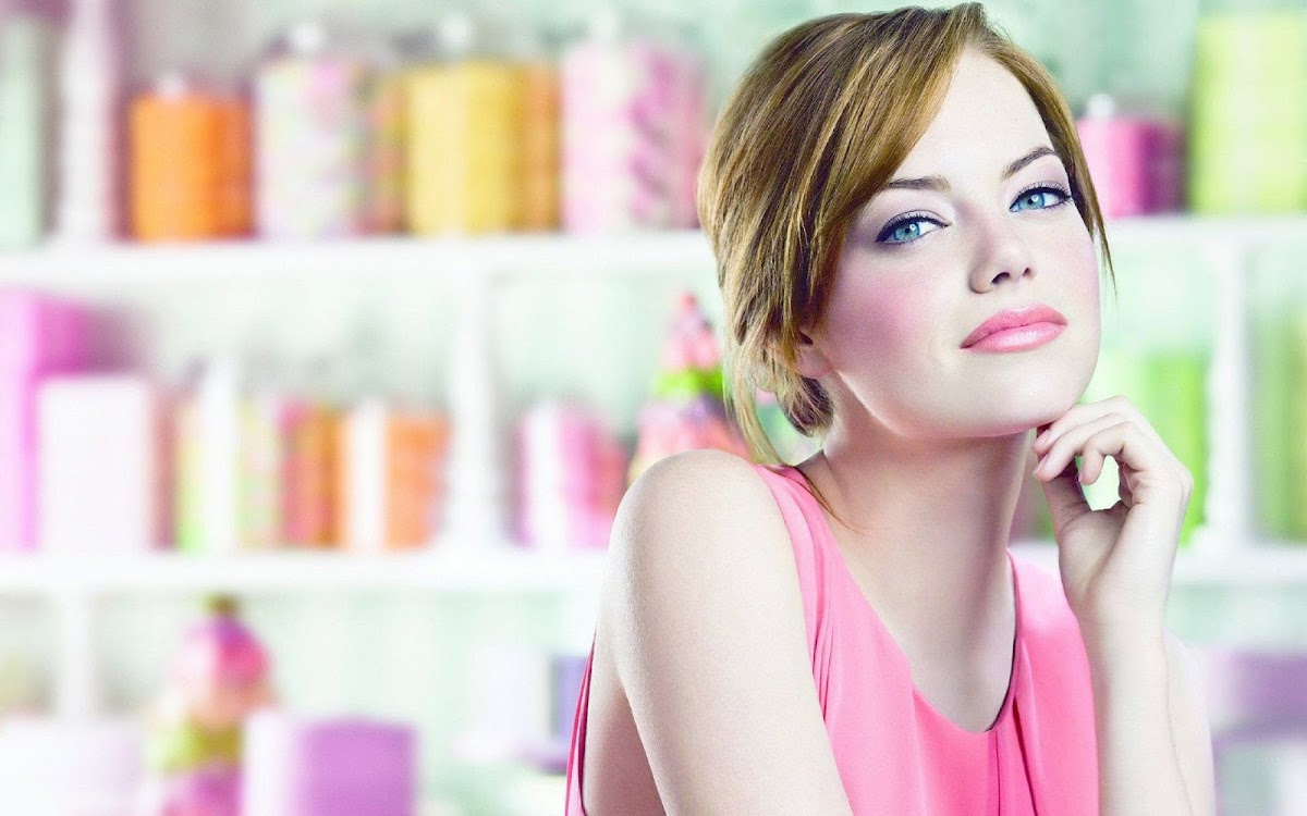 Emma Stone Widescreen HD Wallpaper 3