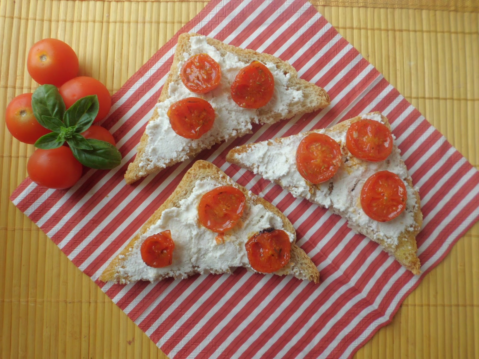 crostoni con pomodorini caramellati