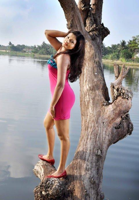 Ameesha Kavindi Hot Pic by Tree and Lake  - Ameesha Kavindi Tree Pics