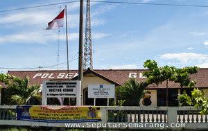 Kantor polisi sektor genuk