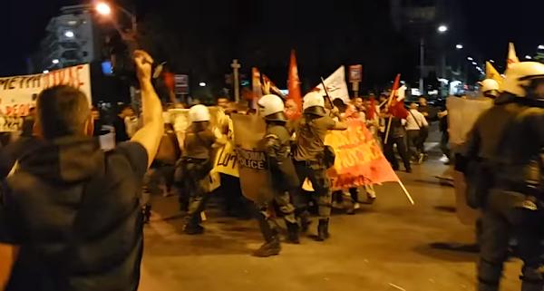 Θεσσαλονίκη: Επεισόδια και ένας τραυματίας πριν την ομιλία Τσίπρα [βίντεο] τα σκυλιά του συστήματος έκαναν το θαύμα τους
