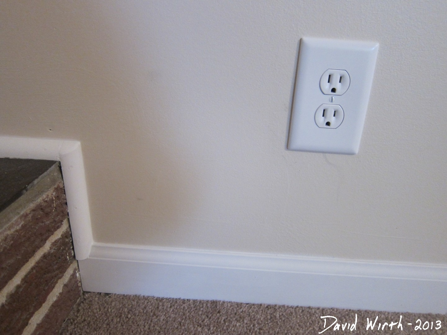 how to cut drywall for electrical outlets