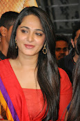 Anushka at rudramadevi trailer launch-thumbnail-12