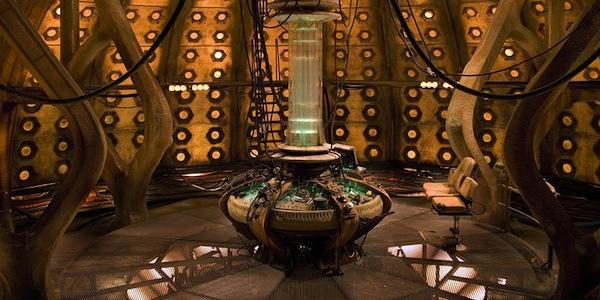 Next Stop: Everywhere: Custom TARDIS Console!