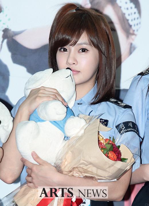 [11.09.16] T-ara son nombradas como embajadoras honorarias de Seúl en Aduanas 20110916_tara_customs_3