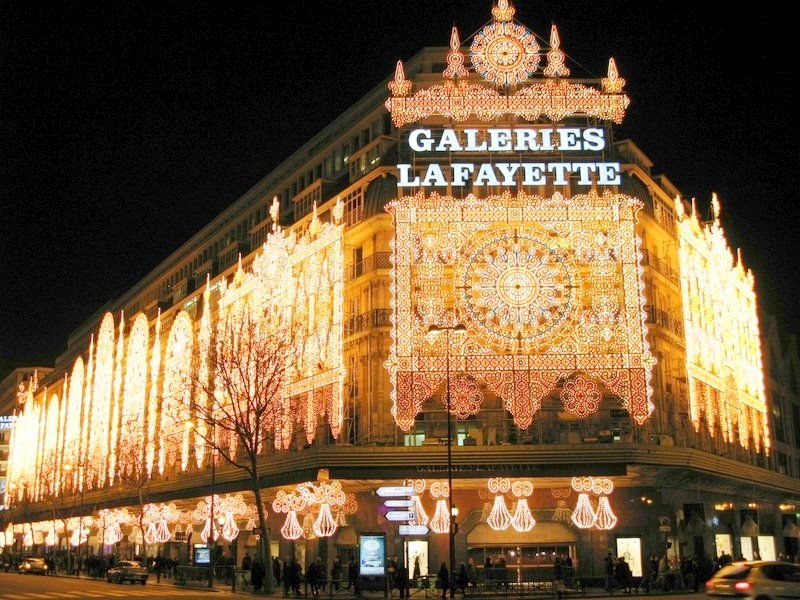 Galeries lafayette avec deco de noel pictures for Deco in paris