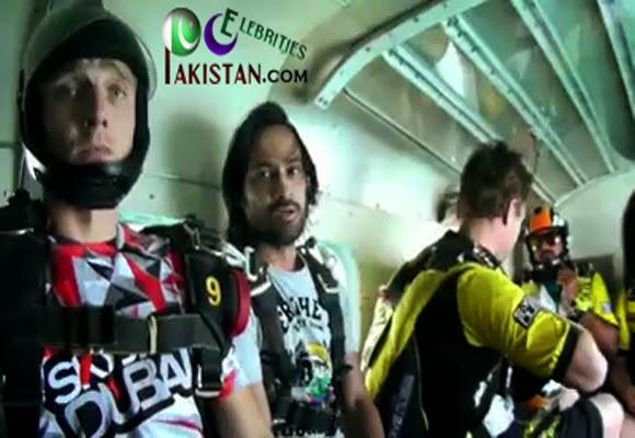Waqar Zaka SkyDive