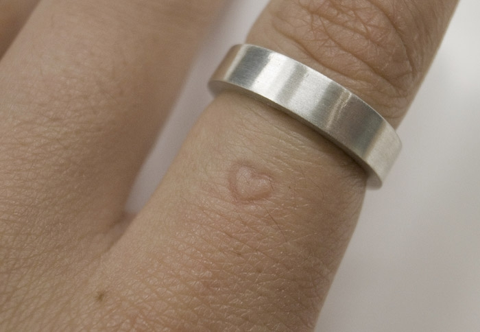 Instead Of A Tan Line Develop Heart The Is Raised In Inner Part Ring So That Over Time You